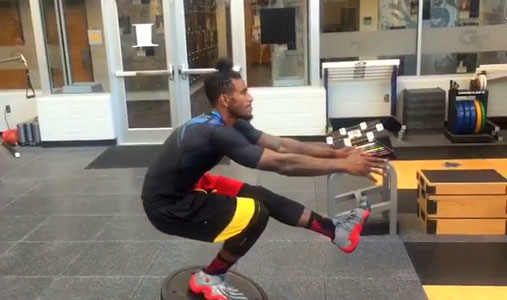 Iman-Shumpert-doing-single-leg-squats